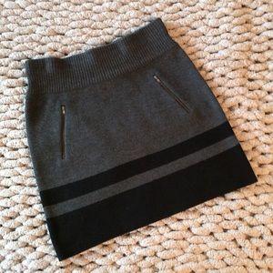 Ann Taylor Loft Sweater Skirt with Zipper Pockets